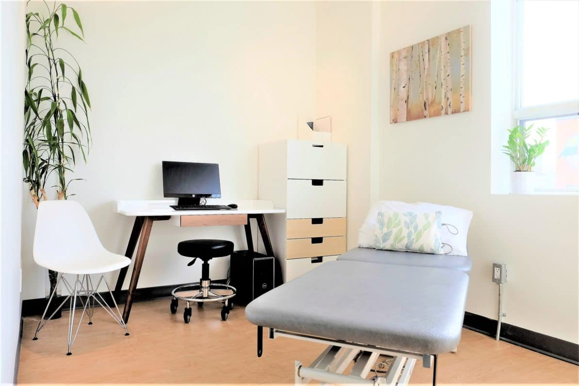 Toronto Physiotherapy Danforth and Chester Treatment Room