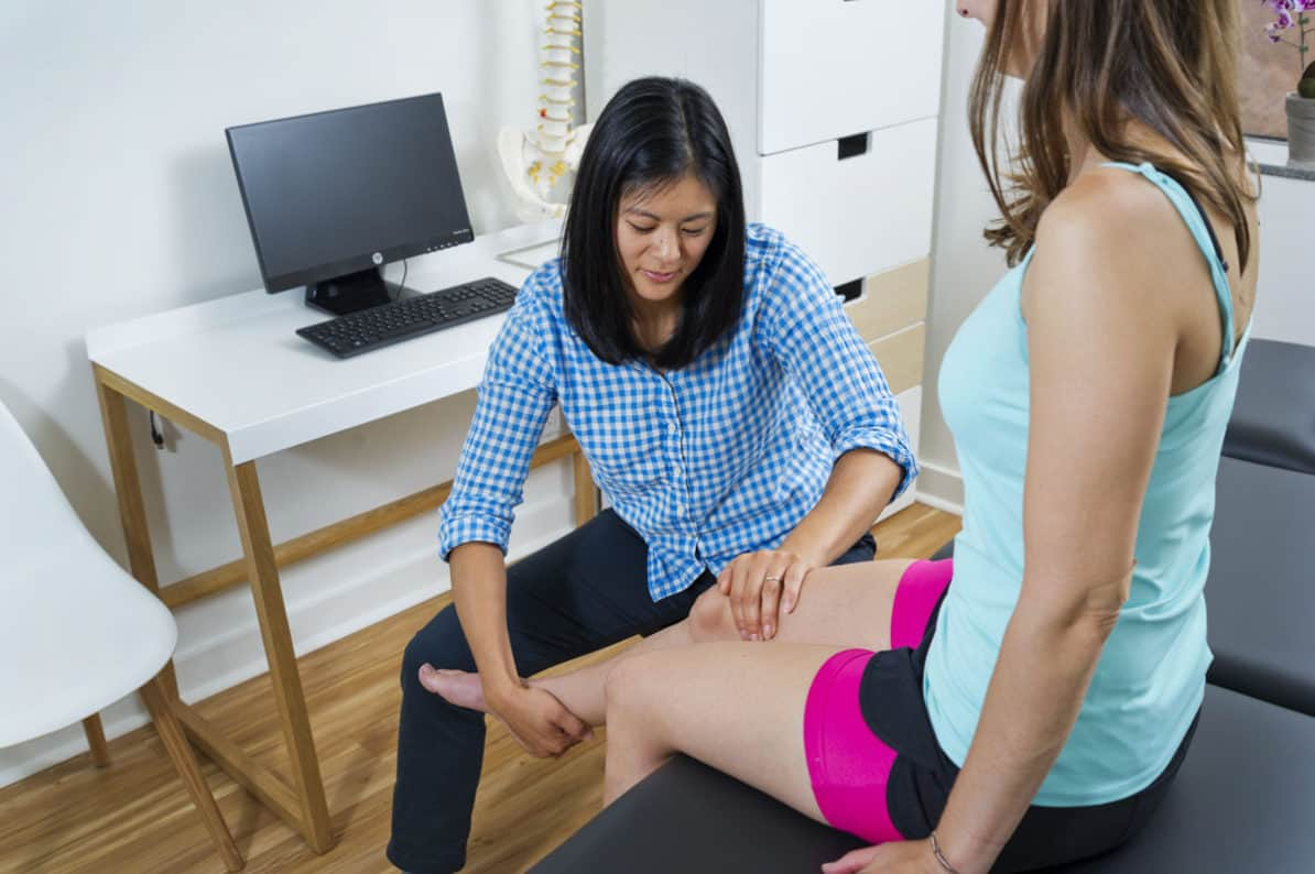 Physiotherapist providing one-on-one care. Is the best Physiotherapy in Toronto one-on-one?